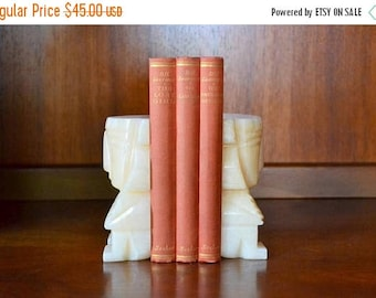 CIJ SALE 25% OFF vintage marble stone aztec bookends / 1970s boho home decor / stone bookends