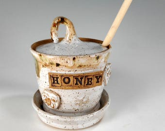 Ceramic honey dipper pot, pottery honey jar with bee, stoneware honey jar with saucer and dipper stick, pottery honey pot with HONEY
