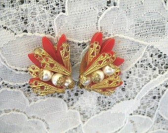 Vintage Rhinestone Earrings ~ Clip On ~ Red Thermoset ~ Filigree and Pearls