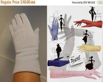WW2 ENDS SALE Light Lilac Kisses - Vintage  19450s Pale Lilac Lavender Nylon Over the Wrist Gloves - 6.5