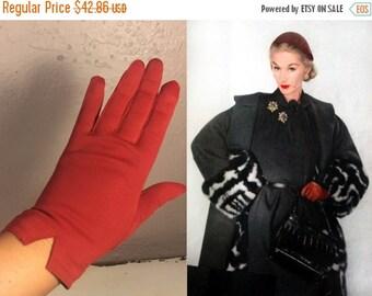 Anniversary Sale 35% Off Girls On Holiday - Vintage 1950s Dark Tomato Red Nylon Wristlet Gloves - 6.5/7
