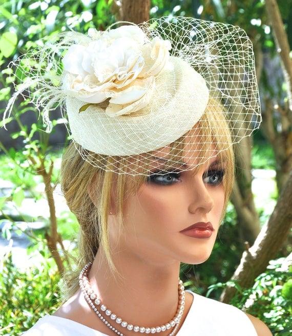 Fascinator, Wedding Hat Fascinator, Cream Ivory Fascinator, Percher, Veil, Derby Hat, Hatinator, Royal Hat Headpiece, Women's Formal Hat