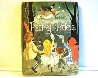 Deans Book of Fairy Tales - Janet & Anne Grahame Johnstone Illustrations 1977