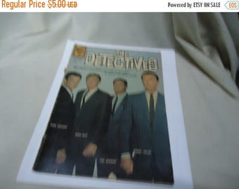 Back Open Sale Vintage 1962 The Detectives Comic Book,March May Number 1219, collectable