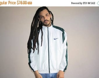 On SALE 45% Off - 90s Vintage Nike White and Forest Green  Colorblock Hip Hop Windbreaker Jacket - 1990s Nike - 90s Clothing - MV0167
