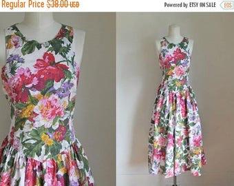 AWAY SALE 20% off vintage 1980s dress - SECRET Garden floral sundress / S/M