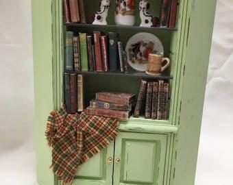 DOlls House Miniatures - Green Corner Bookcase