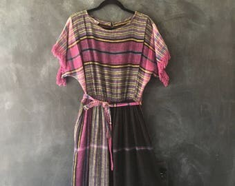 80s Woven Cotton Gauze Midi Dress PLaid Belted High Waisted Boho Hippie Fringe Dress Ladies Size M/L