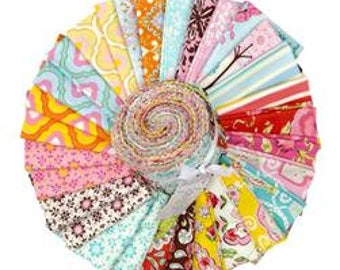FB3DRDF.12012 Design Roll Pretty Little Things Free Spirit Blue Pink Green Brown Yellow Orange Cream