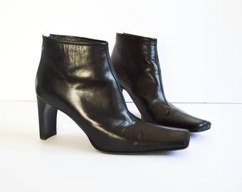 BLACK LEATHER BOOTS. Vintage 90's Ankle Boots. Square Toe. High Heel Boots. 80's 90's Grunge Mod Hipster. Made in Italy - Size 8