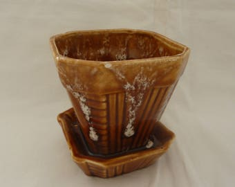 Vintage Roseville Art Pottery Planter / Flower Pot with Attached Saucer - Made in Ohio, USA - Small Size