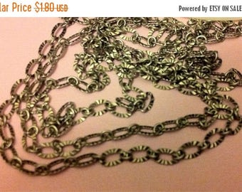 ON SALE Vintage Retro Style Delicate Antique silver crinkled texture 3x5mm footage  chain
