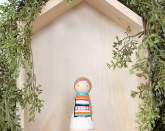 Whittle Friends - Clover - 3.5 inch Painted Peg Doll