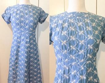 60s eyelet dress, chambray bee print, S M