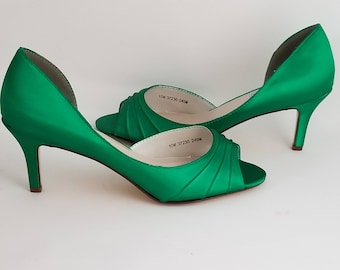 Green Wedding Shoes Green Bridal Shoes Green Bridesmaid Shoes  Emerald Green Shoes PICK FROM 100 COLORS Bridesmaid Shoes