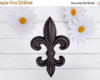 ON SALE Oil Rubbed Bronze  Fleur de Lis / French Country / Cast Iron Decor / Paris apartment/ Kitchen decor / Shabby Chic Decor