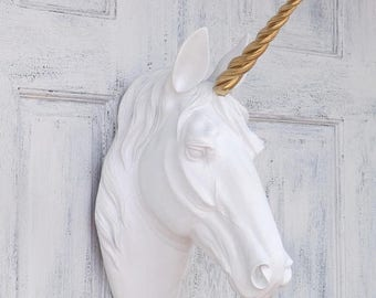 the bayer unicorn head white w gold alicorn faux taxidermy. Black Bedroom Furniture Sets. Home Design Ideas