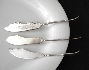 Antique Master Butter Knife Set 3 Spreaders Cheese Pate Silverplated Mismatched