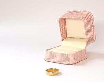 Pink Engagement Ring Box, Pink Ring Box, Proposal Ring Box, Ring Bearer Box, Pink Jewellery Box, Wedding Ring Holder PC717