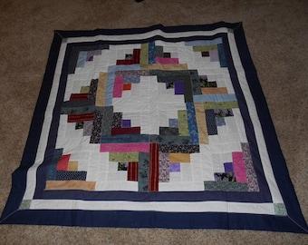 Throw or lap quilt log cabin pattern