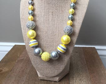 Chunky Bubblegum Bead Necklace in Gray and Yellow