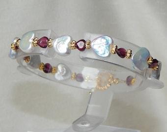 Valentine bracelet,Valentine heart bracelet,pearl heart bracelet,garnet heart bracelet,pearl and garnet heart bracelet,desinger bracelet