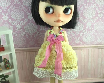 Blythe Garden of Roses Dress - Yellow with Pink Bow