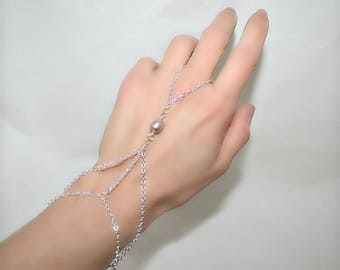 Ring bracelet with freshwater pearl and silver chain