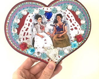 Las dos fridas- Frida Kahlo image on wooden heart plaque/ silver red blue vintage image / love sacred heart Mexican wall art