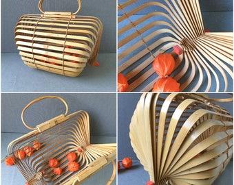 Gorgeous Design Folding Collapsible Bamboo Handbag 1960s Summer Beach Bag