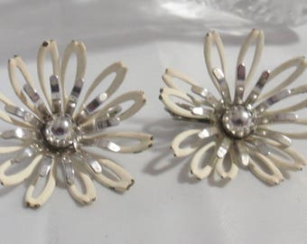 Vintage Sara Coventry White and Silver Flower Earrings