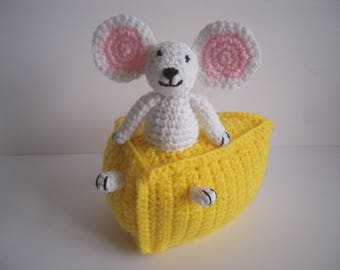 Crocheted StuffedAmigurumi Mouse in Cheese