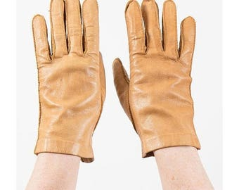 FLASH SALE... Vintage leather gloves / Caramel light brown leather wrist length driving gloves / S small