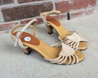vtg 70s tan STRAPPY peep toe HEELS sandals 5.5 pumps suede leather boho hippie Town & Country shoes cork