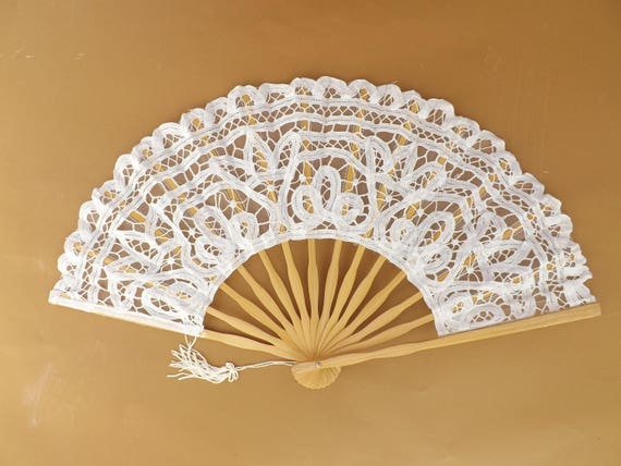 White Lace Bamboo Hand Fan Budget Price Folding Fan from Spain