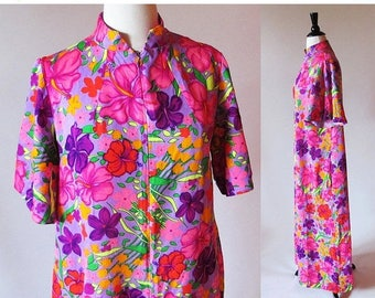 1/2 Off SALE Vintage 70's Flower Print Robe, 60s 70s Dressing Gown House Coat, MOTHER'S Day Sale