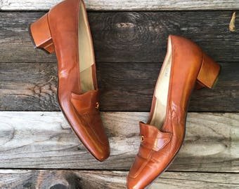9 Narrow | Women's 1960's Loafer Pumps in Brown by Florsheim Ramblers