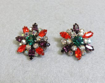 Gorgeous 1960 Weiss Multi Color  Rhinestone Clip On Earrings