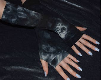 Charcoal blue tie dye Arm Warmers fingerless gloves sleeves sleeve armwarmers armwarmer arm warmer thumbhole thumb hole tie dyed glove emo
