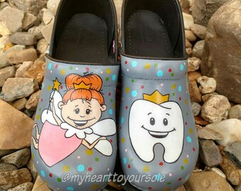 Dental Dansko Clogs
