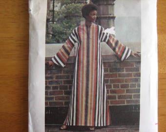 Butterick Pattern 3384 Misses' Caftan       circa 1973