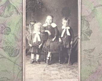 European Carte de Visite of Three Children CdV Cabinet Card 9002