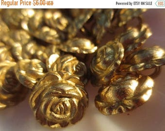 "30% OFF SALE Gold Flower Metal Buttons 5/8"" Shank Roses 16mm-24 pieces"