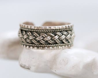 Silver Thumb Ring - Plated Rope - Ring Size 9 Adjustzble