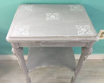 Distressed Shabby Chic Side Table in Gray