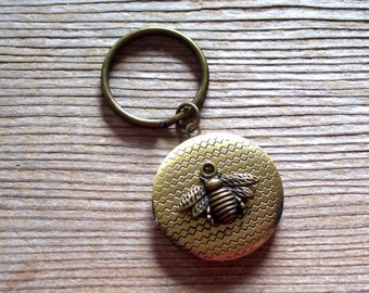 Bronze Bee Locket Keychain, Honeybee Locket Key Ring, Antiqued Brass Bee Locket, Nature Locket, Bee Keychain, Bee Jewelry