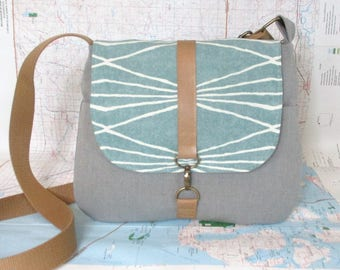 Colorado. Crossbody messenger bag - Southwestern purse - Tribal - Geometric - Vegan purse - Travel bag- Gray - Mint - Medium - Ready to ship