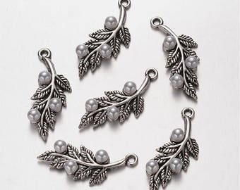 5 Pcs - Antique Silver LEAVES with Acrylic Pearls - Pendants / Charms