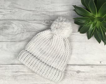 White adults knitted hat for Spring, chunky knit hat, pure wool hat, ladies winter hat, mens wool hat, white knit hat, made in UK bobble hat