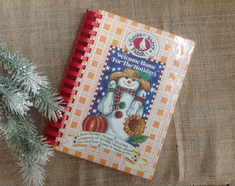 Gooseberry Patch Welcome Home For the Holidays Book 14 Plastic Comb Harvest to Christmas